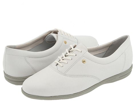 Easy Spirit Motion Shoes On Sale Size