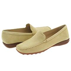 Geox D Euro Loafer     Manolo Likes!  Click!