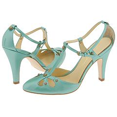 Evonne from Imagine by Vince Camuto    Manolo Likes!  Click!