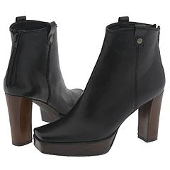 Hipgal by Stuart Weitzman    Manolo Likes!  Click!