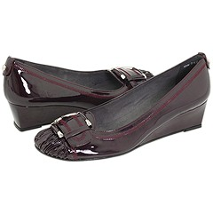 Pleatolo from Stuart Weitzman   Manolo Likes!  Click!