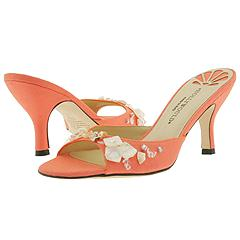Louise from Hollywould     Manolo Likes!  Click!