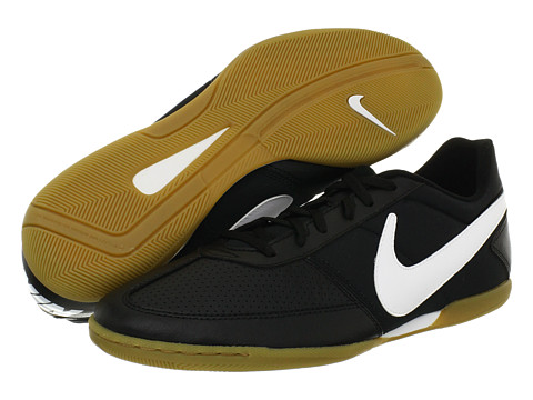 a3947692153 I m looking to get a new pair of shoes for table tennis. I ve been playing  with indoor soccer shoes (Nike Davinhos) ...