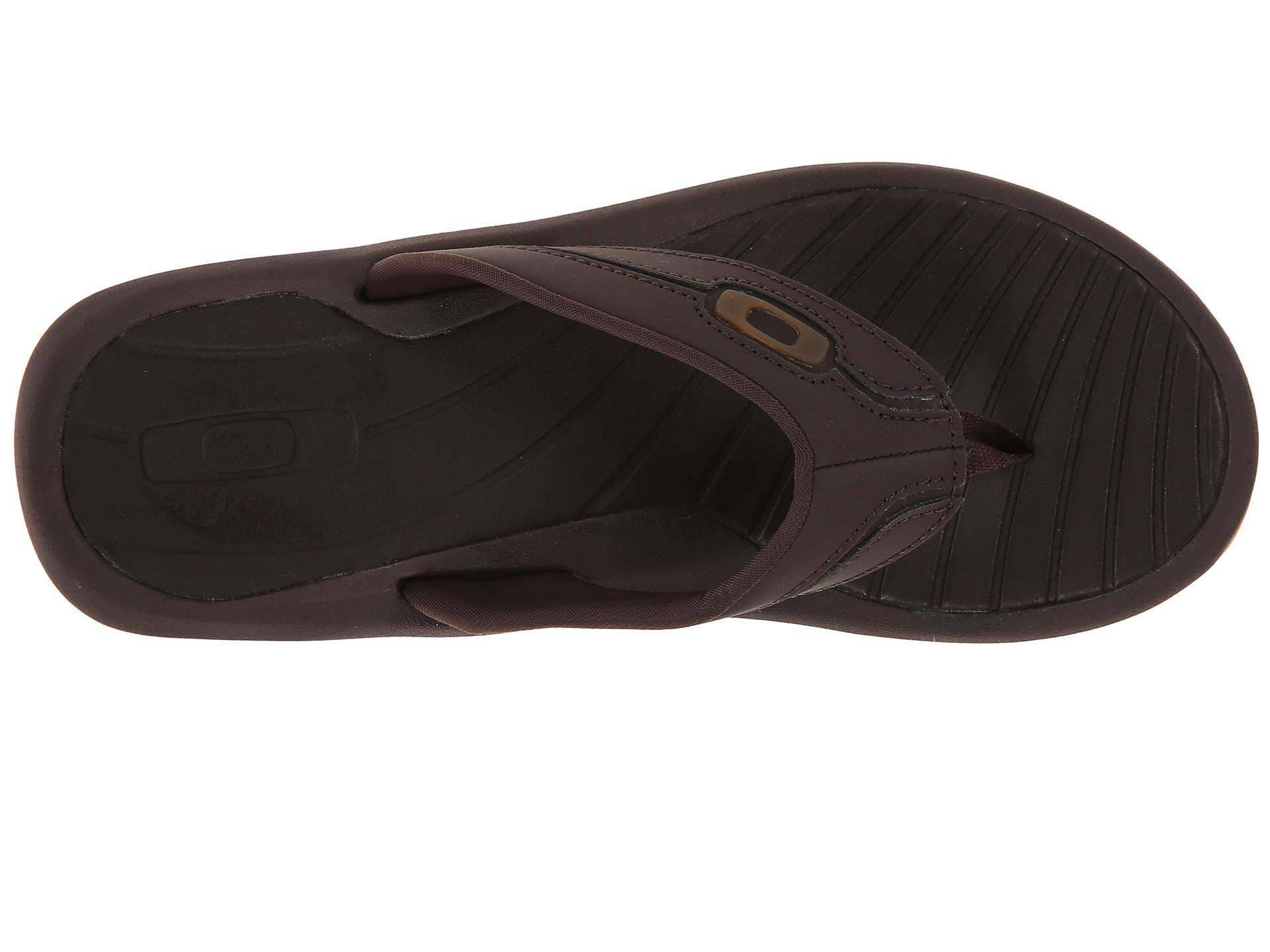 604e717f65035 oakley men s dune sandal
