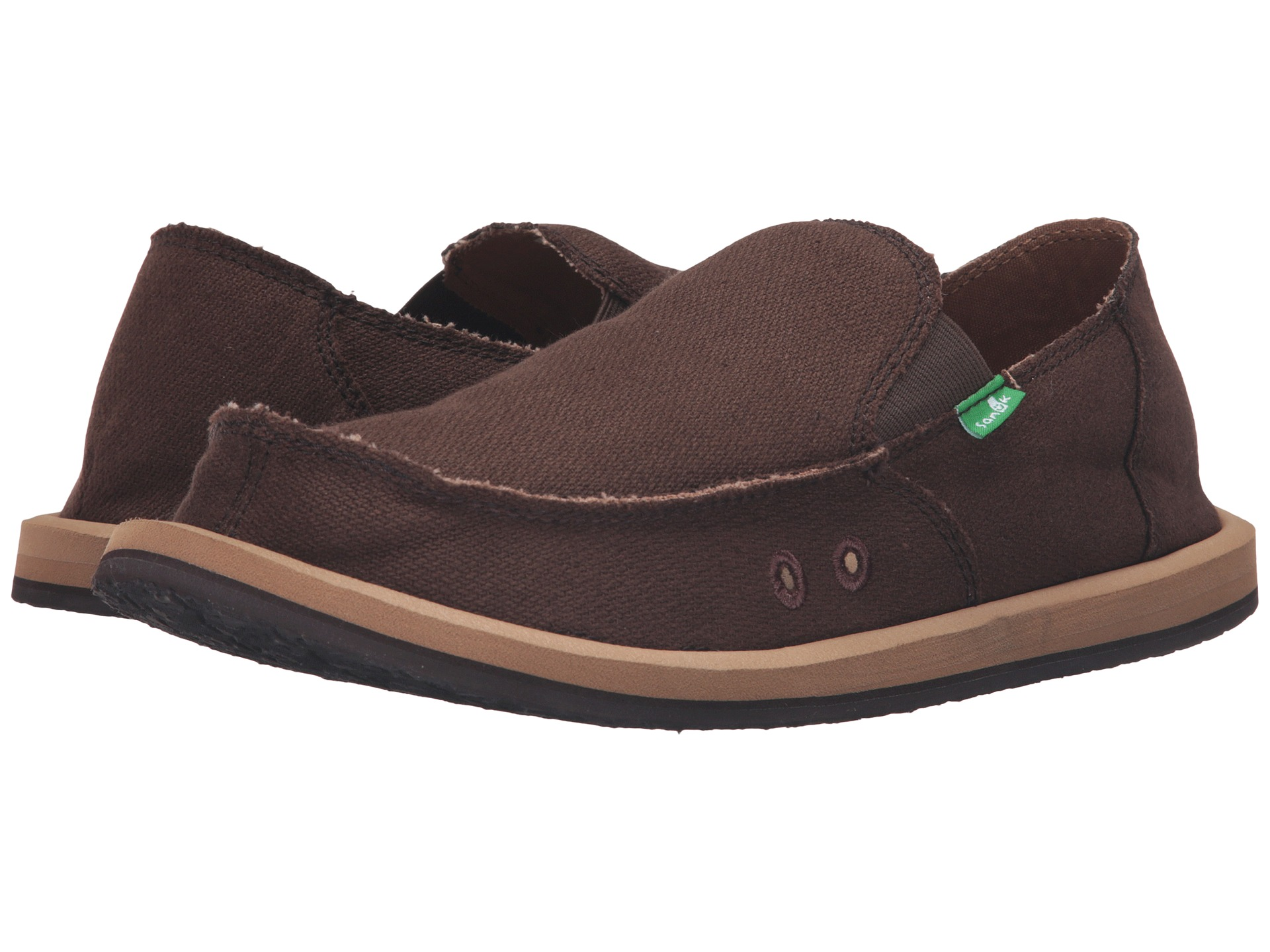 Sanuk Shoes - where comfort meets fashion! These are the best Sanuks for women & men, along with outfit ideas, & links to buy sanuk shoes on sale for cheap.