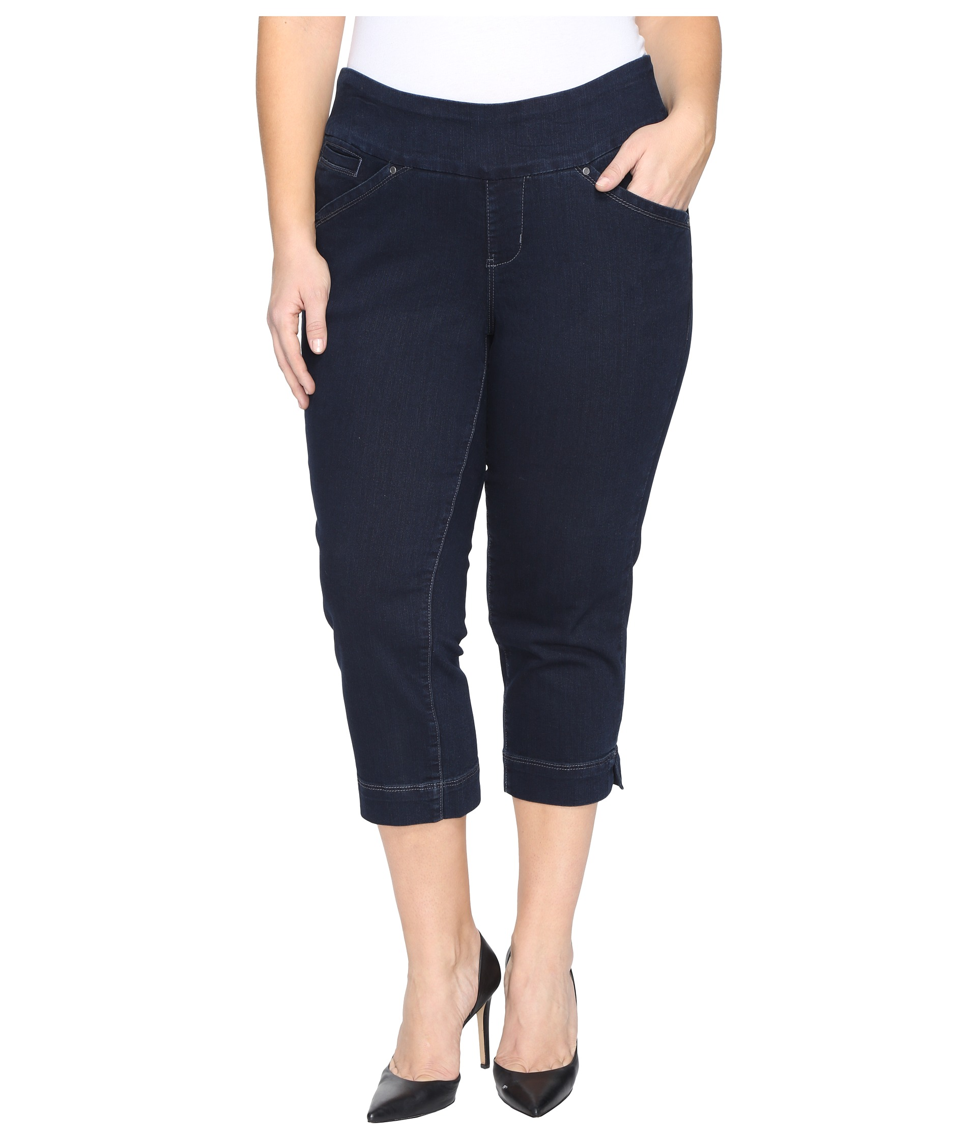 I normally avoid pull on pants that don't have a yoga wide waist band and a high waist on the grounds that every single pair of RTW pull on pants I've tried will fit great when I put them on and then as the elastic relaxes, they'll creep down and eventually I'm hiking my pants up every five minutes.