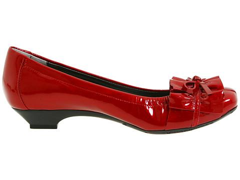 Vaneli Genie Shoes Size